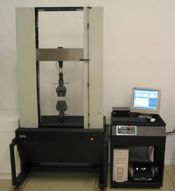 MTS Sintech Universal Test Machine